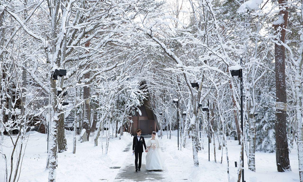 写真:ドラマチックな写真にうっとり!雪景色ウエディング