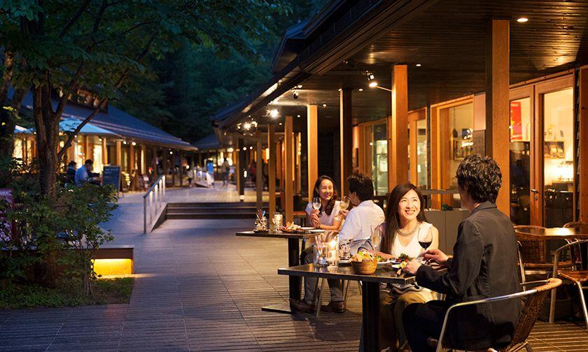 写真:ハルニレテラスに揃うバラエティ豊かなレストラン