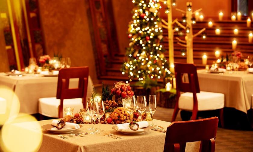 写真:クリスマスだけの特別なレストランで過ごす、ふたりの大切な時間