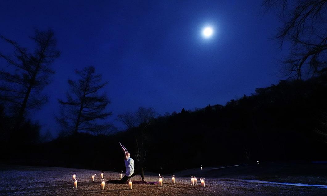 写真:月暦(つきこよみ)ヨガ