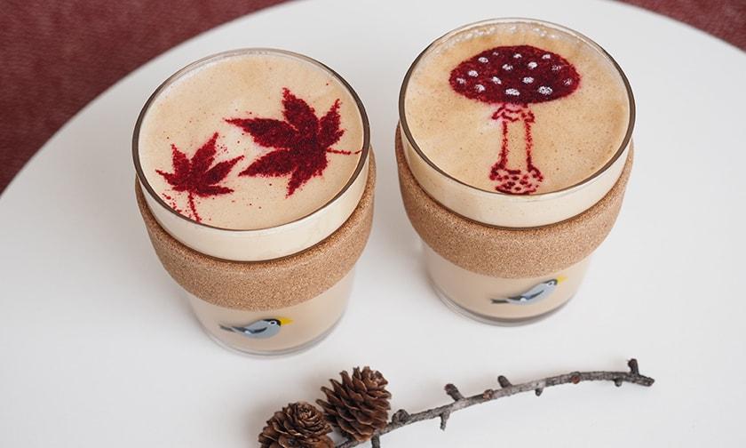 写真:紅葉&キノコカフェラテが秋限定で登場