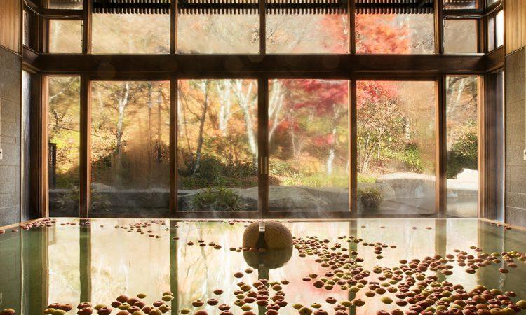 写真:秋の季節湯「りんご湯」