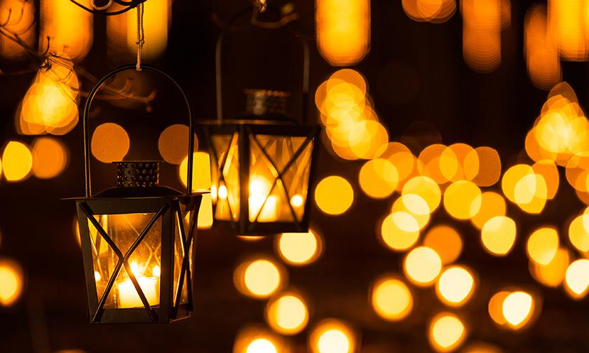 写真:あたたかな光につつまれる「ランタンキャンドルの森」 19:00~22:00