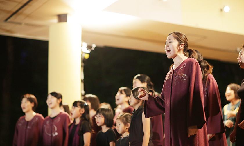 写真:祈り、歌う「夏夜の音楽礼拝」 20:00~20:30